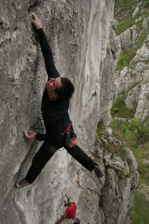 Dan Ungureanu on the crux move in Pain is temporary - 7c+
